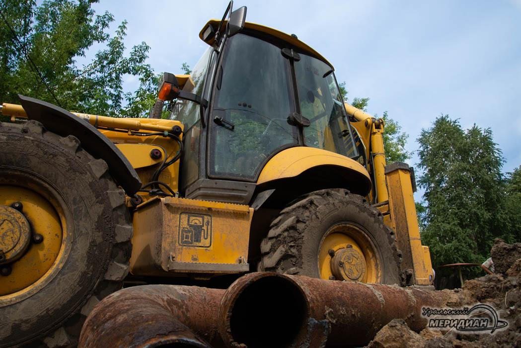 Дорога ремонт объезд трактор трубы