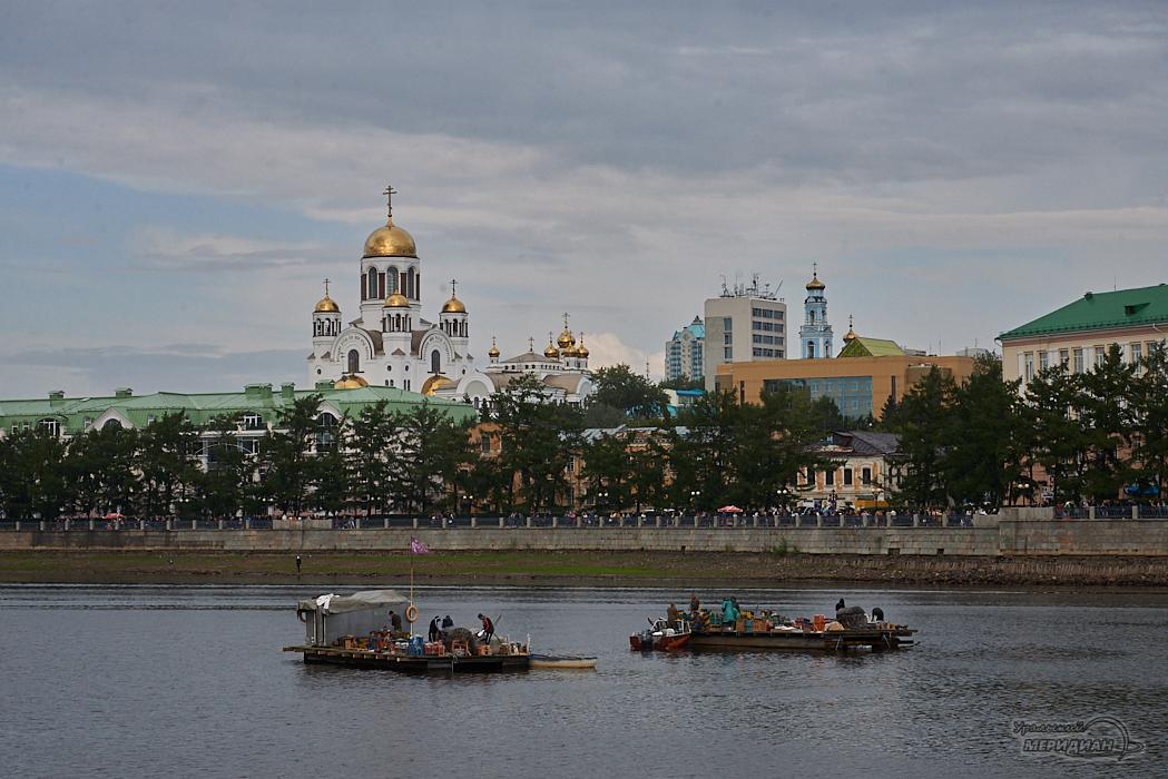 День города акватория набережная Исеть понтон салют Екатеринбург