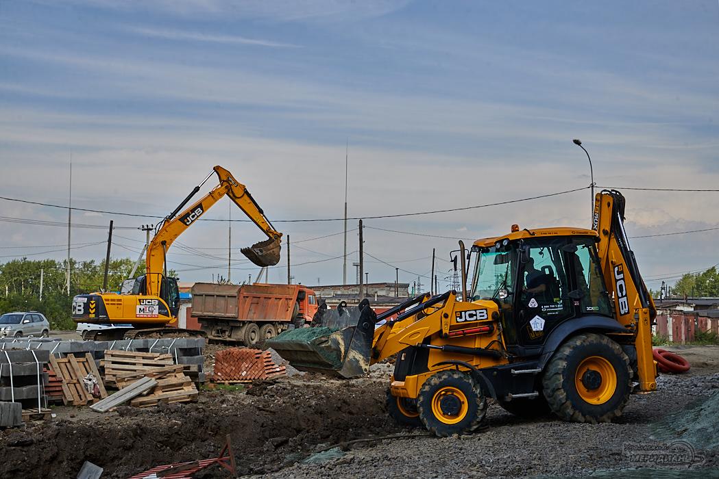 ремонт двор дорога трактор