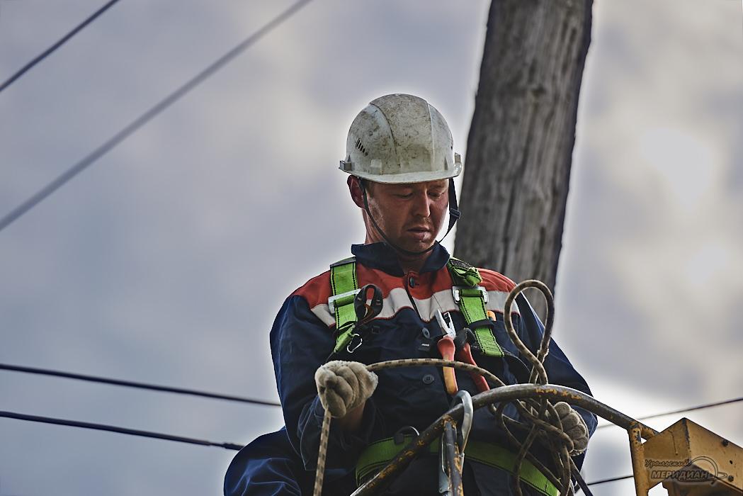 Свердловские энергетики отремонтировали сотни энергообъектов