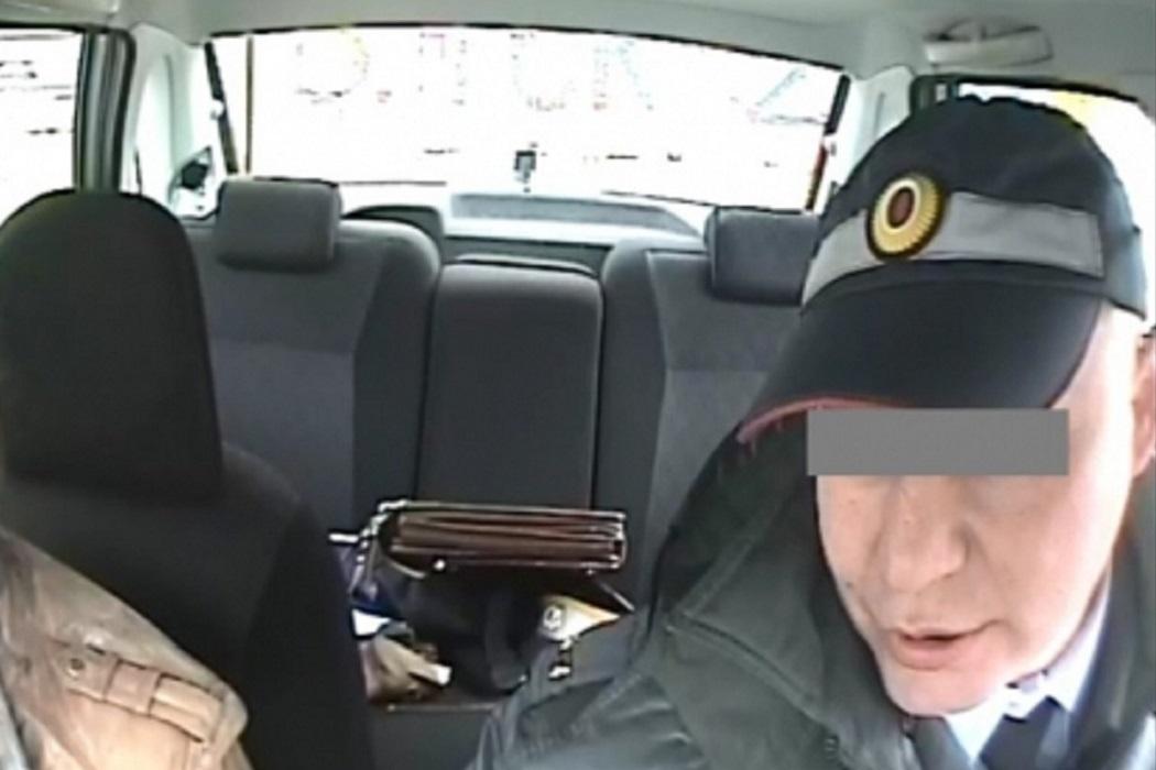 Свердловский гаишник сел на 3 года за взятку от пьяной автоледи