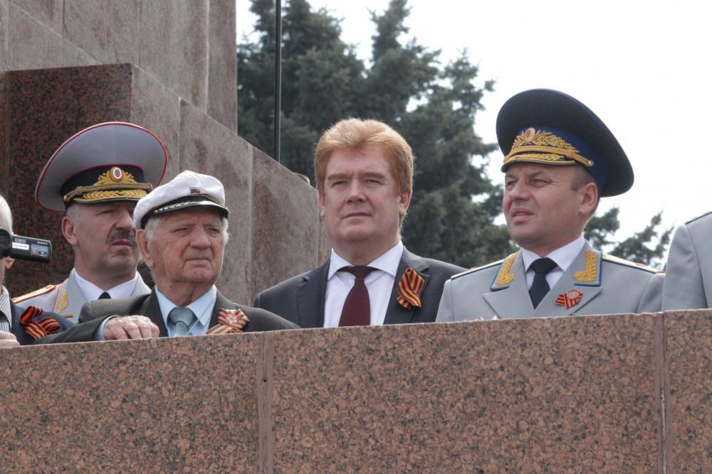 Более 50 тысяч челябинцев пришли на праздничный Парад Победы