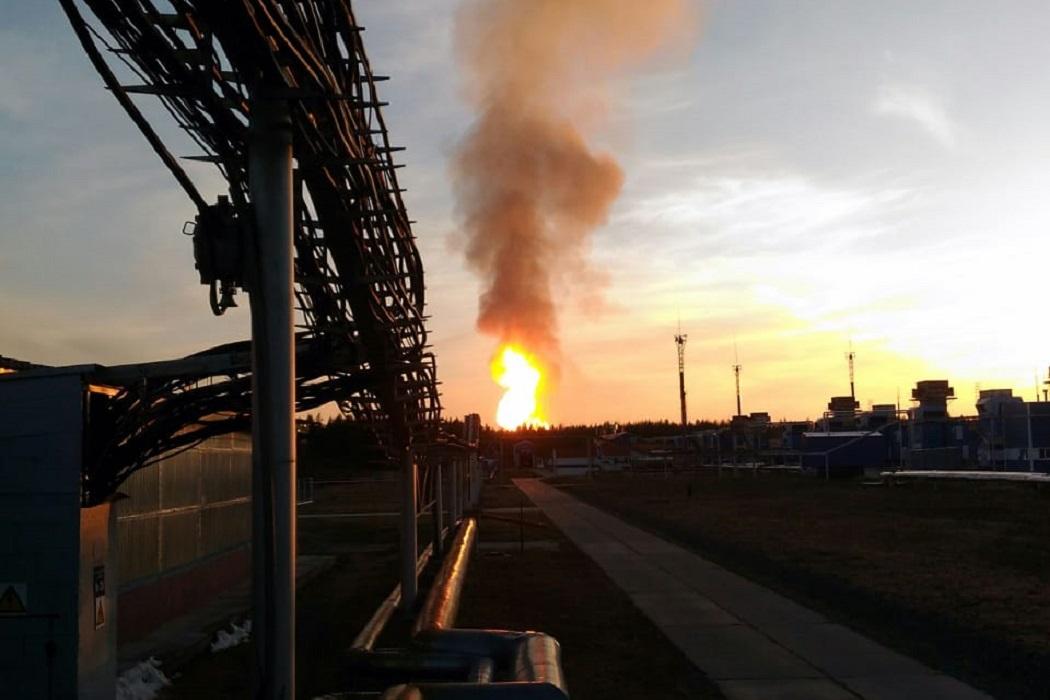 Пожар на газопроводе МЧС