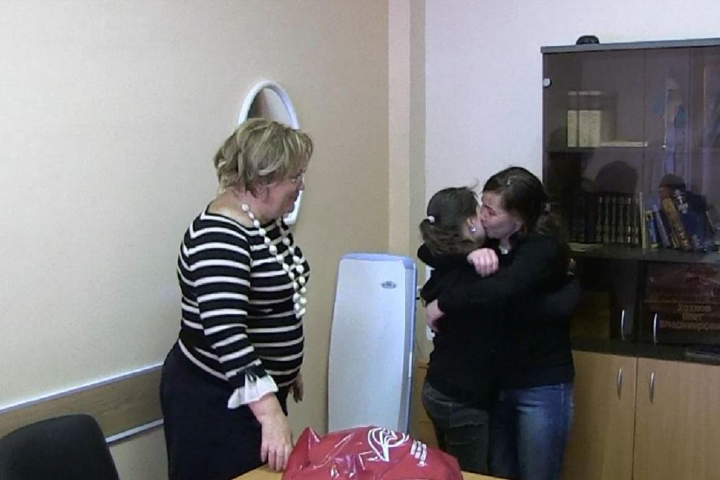 матери передали ребенка