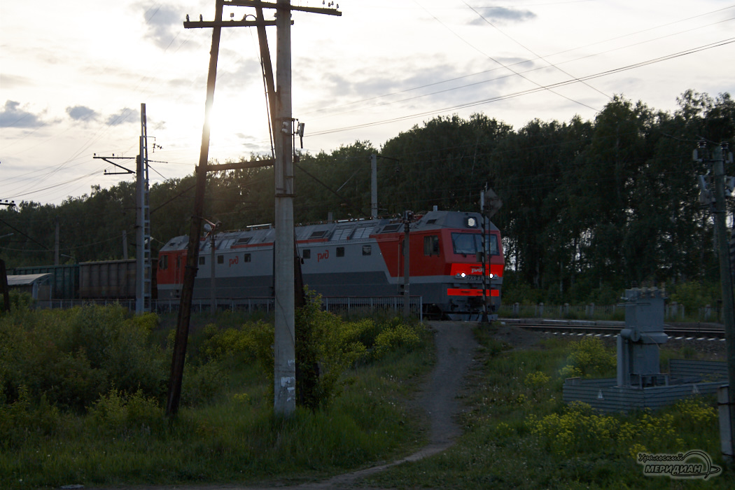 В Екатеринбурге 94-летняя пенсионерка попала под поезд