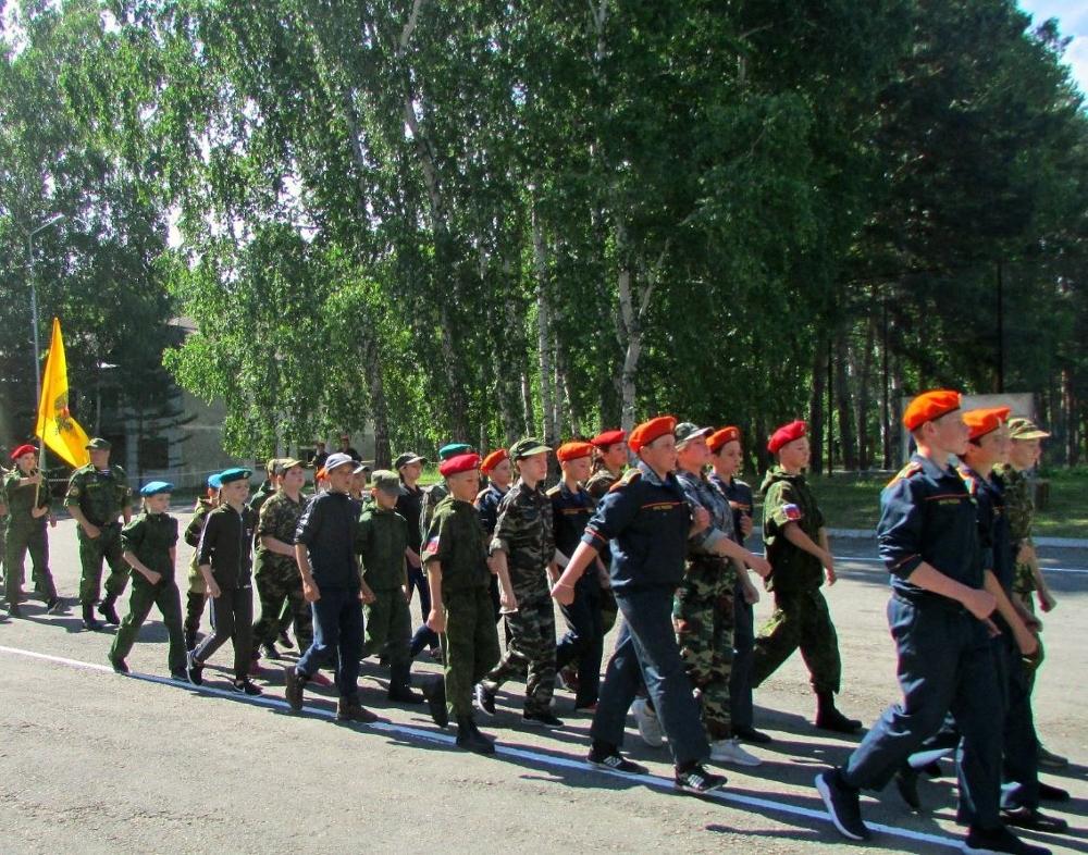 Сотрудники ОМОН «прокачали» лето для юных патриотов Зауралья
