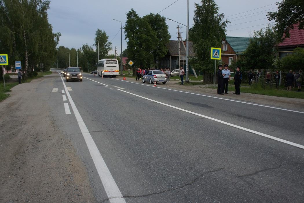 Под Нижним Тагилом автобус «Качканар-Екатеринбург» сбил человека