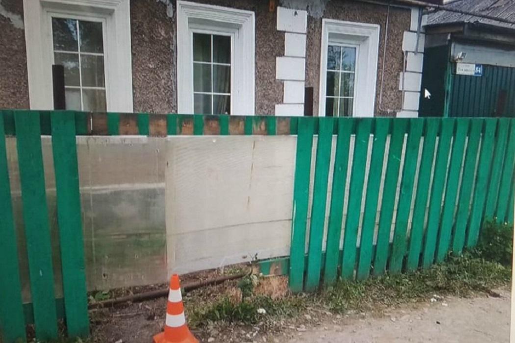 мотоцикл снес забор