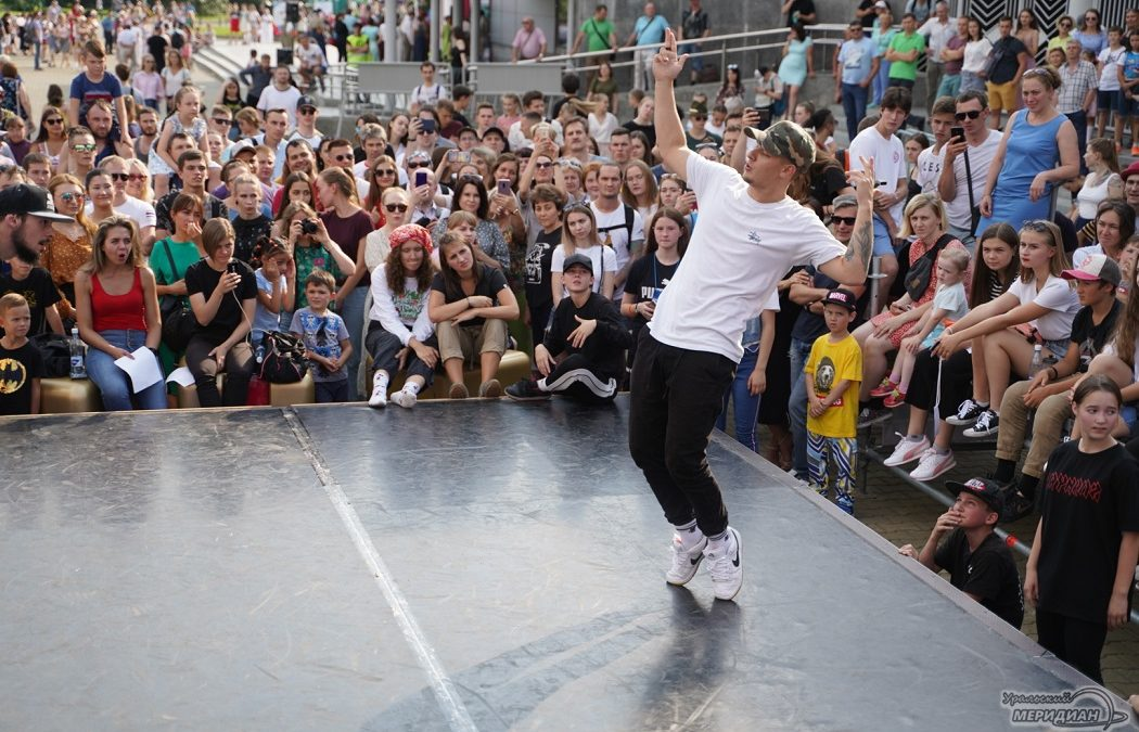 ДэнсЕкб уличные танцы