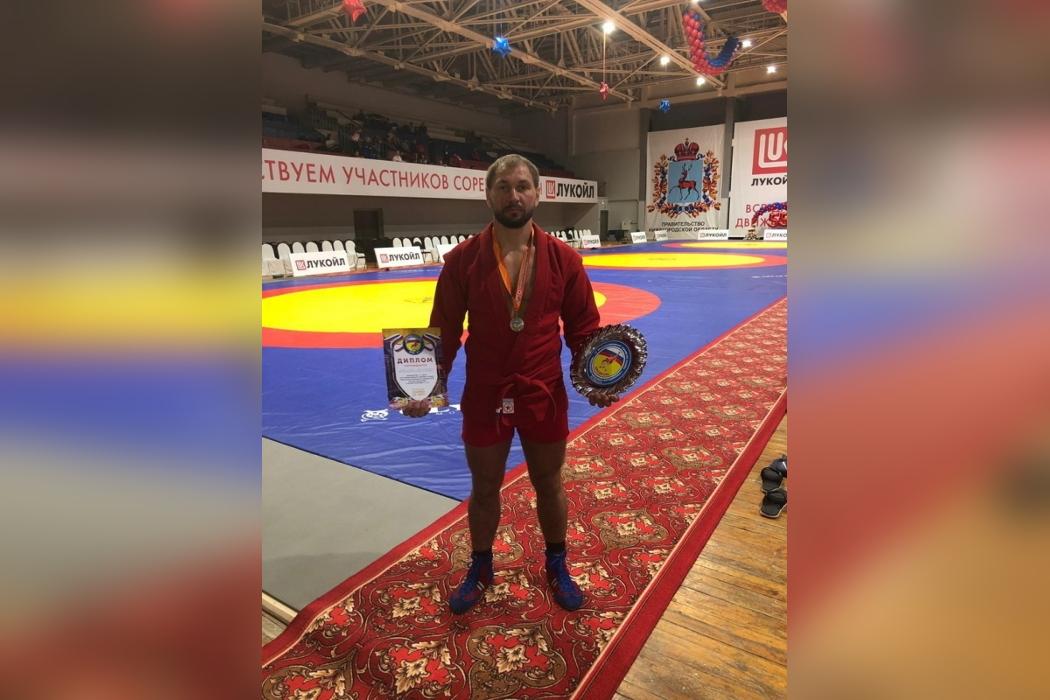 Курганский спортсмен завоевал золотую медаль в турнире по самбо