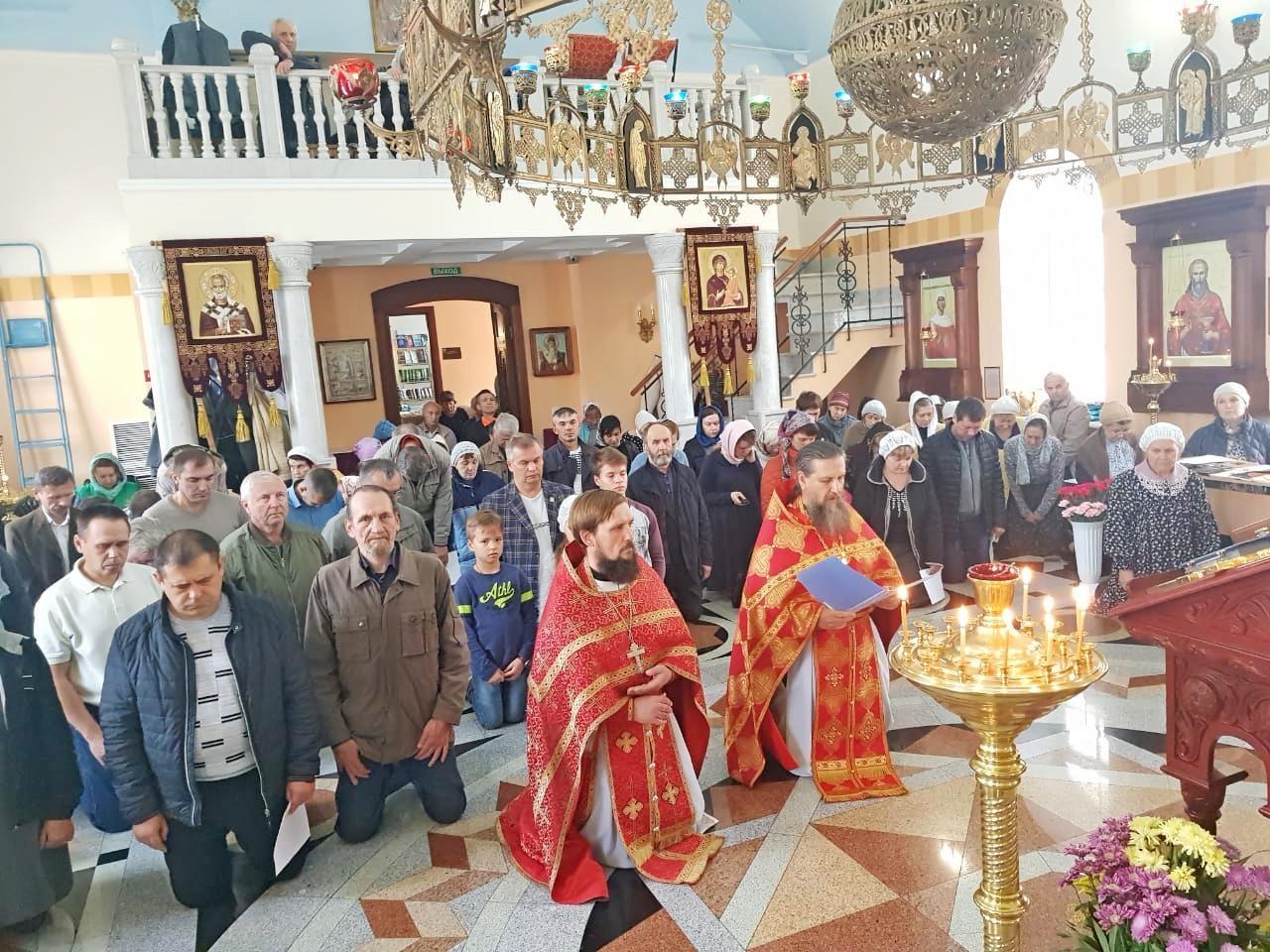 служба в храме в День трезвости