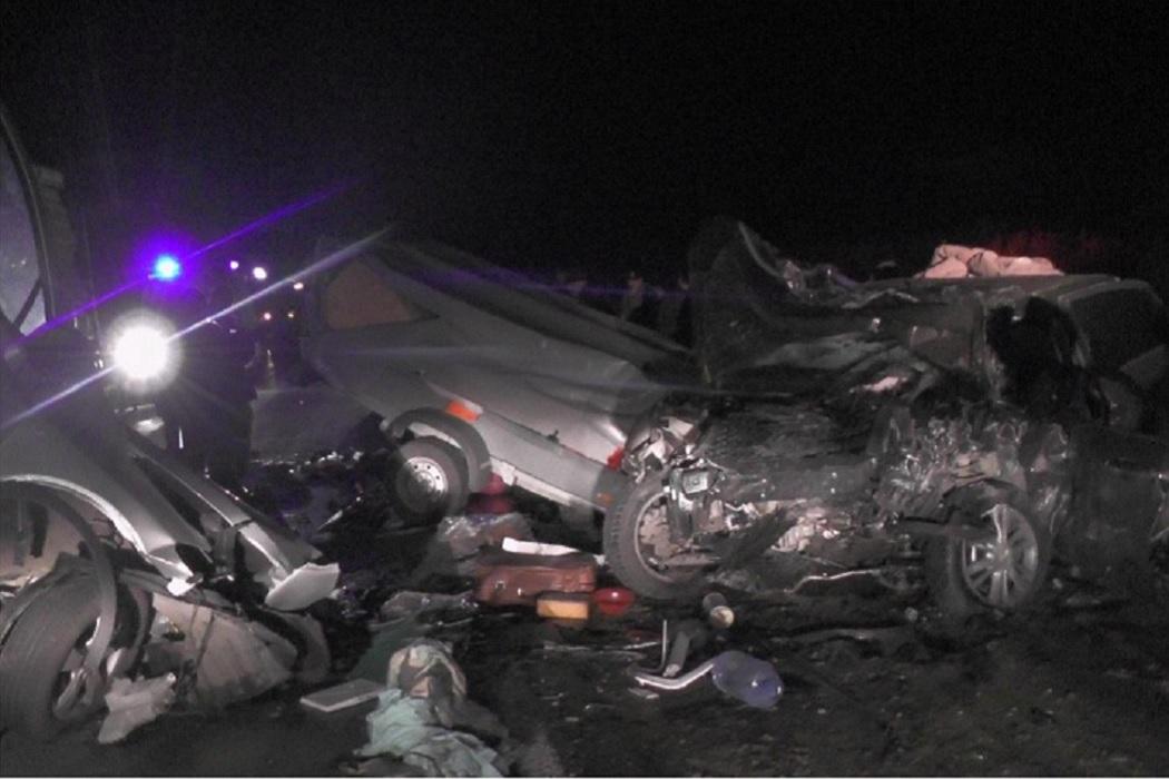 В Зауралье за сутки произошло 14 ДТП, в одном из них погибли два человека