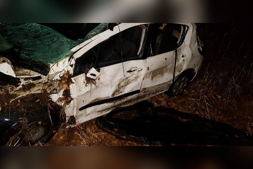 Два пассажира погибли: на Южном Урале иномарка улетела в кювет