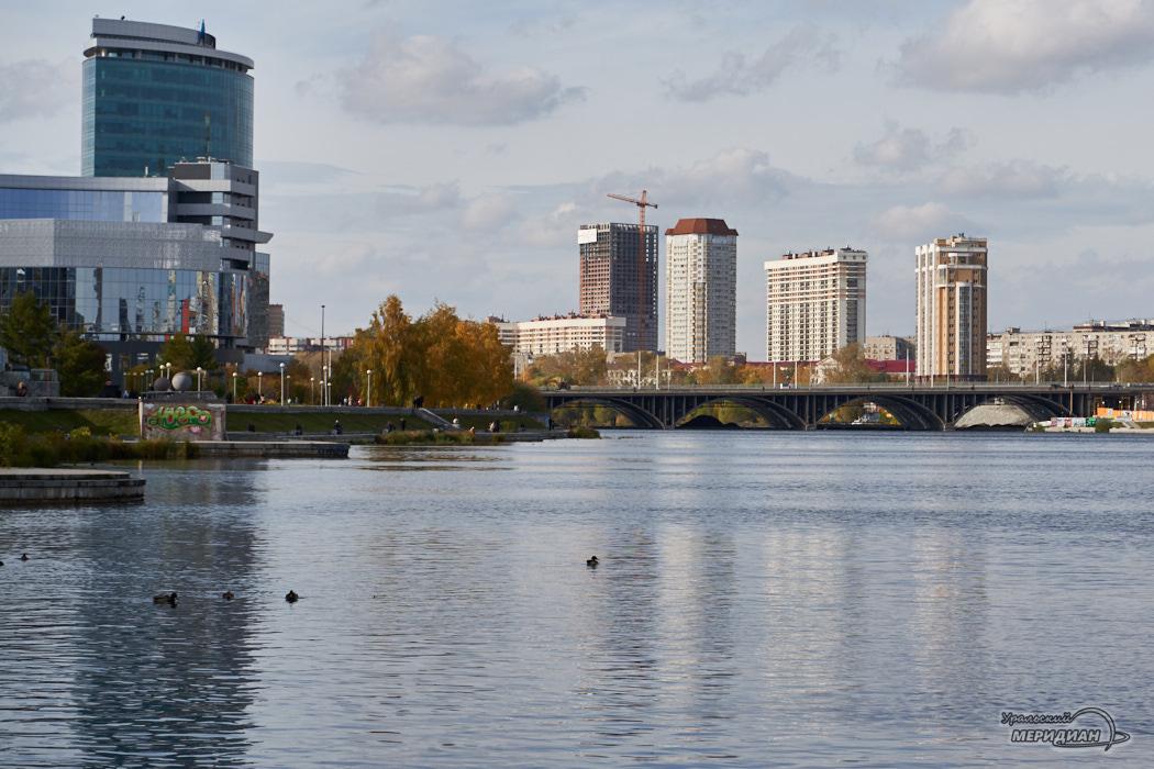 Макаровский мост набережная Исеть Екатеринбург