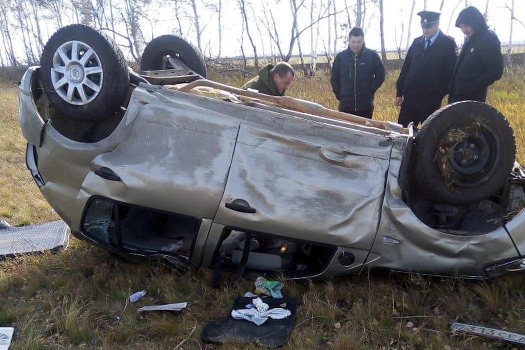 На Южном Урале водитель уснул за рулем и съехал в кювет 1