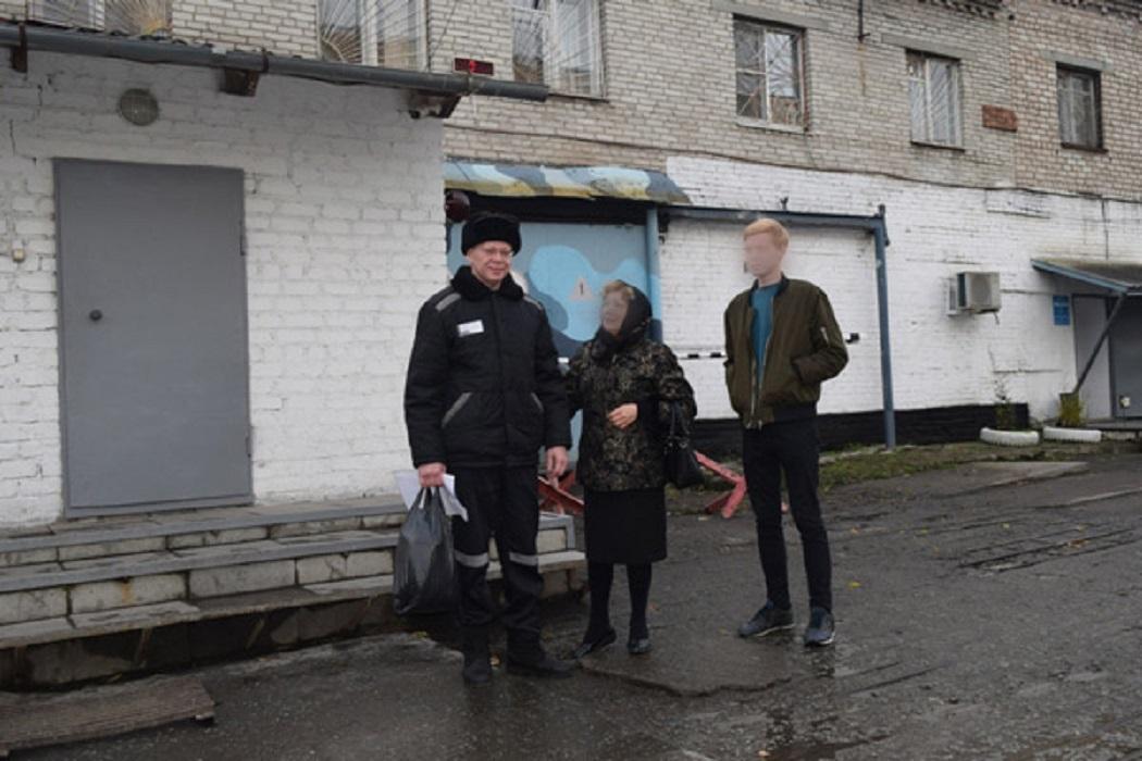 На Урале осужденного СИЗО отпустили домой, чтобы попрощаться с отцом