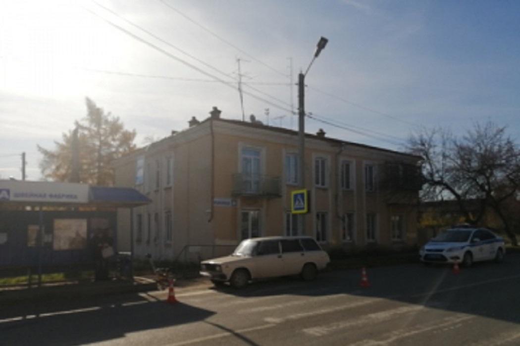 В Ирбите водитель ВАЗ сбил женщину с 3-летней дочерью