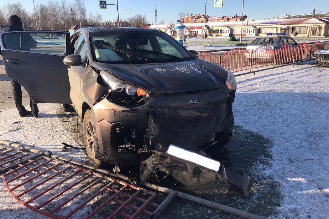 В Югре росгвардейцы задержали водителя устроившего ДТП на угнанном авто