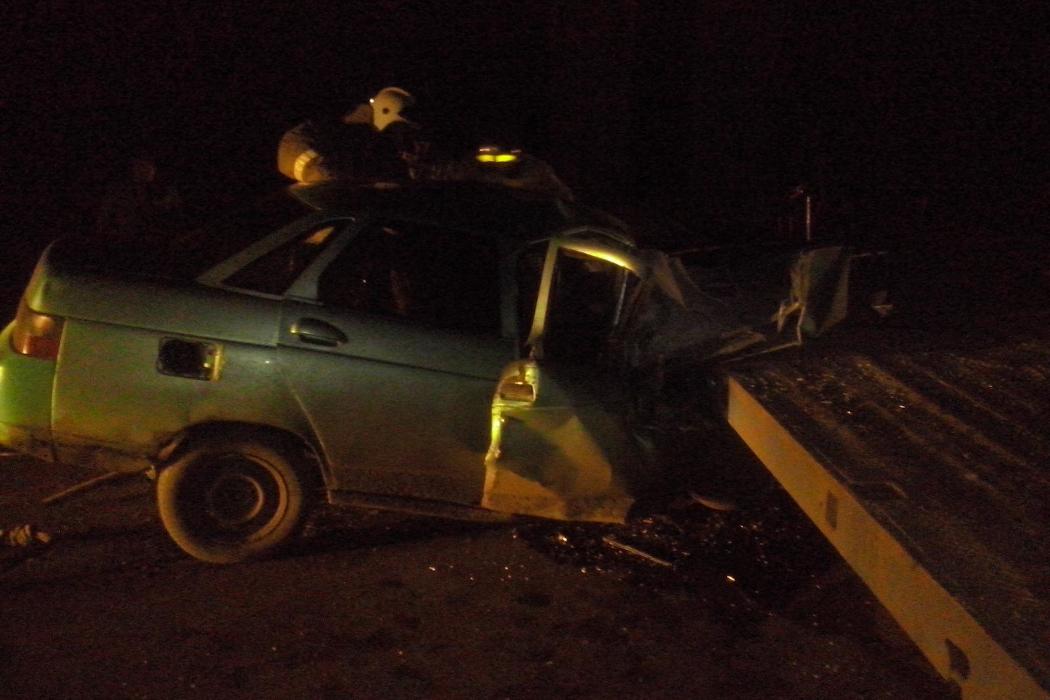 В Зауралье водитель и пассажир легковушки погибли, врезавшись в МАЗ