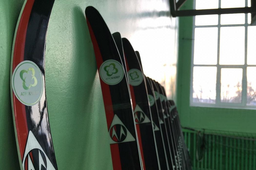 Спортинвентарь Лыжи