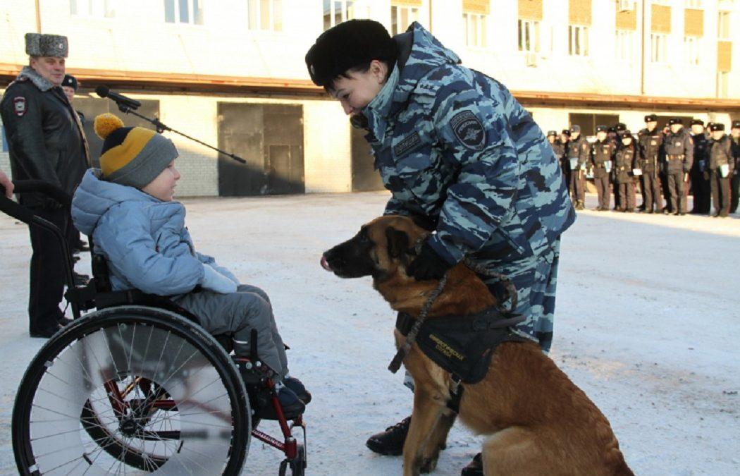 Тюменский малыш осуществил заветную мечту в полиции