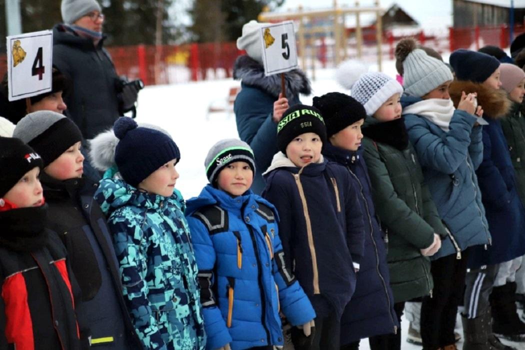 На Ямале в селе Восяхово открылась школа-интернат со стадионом