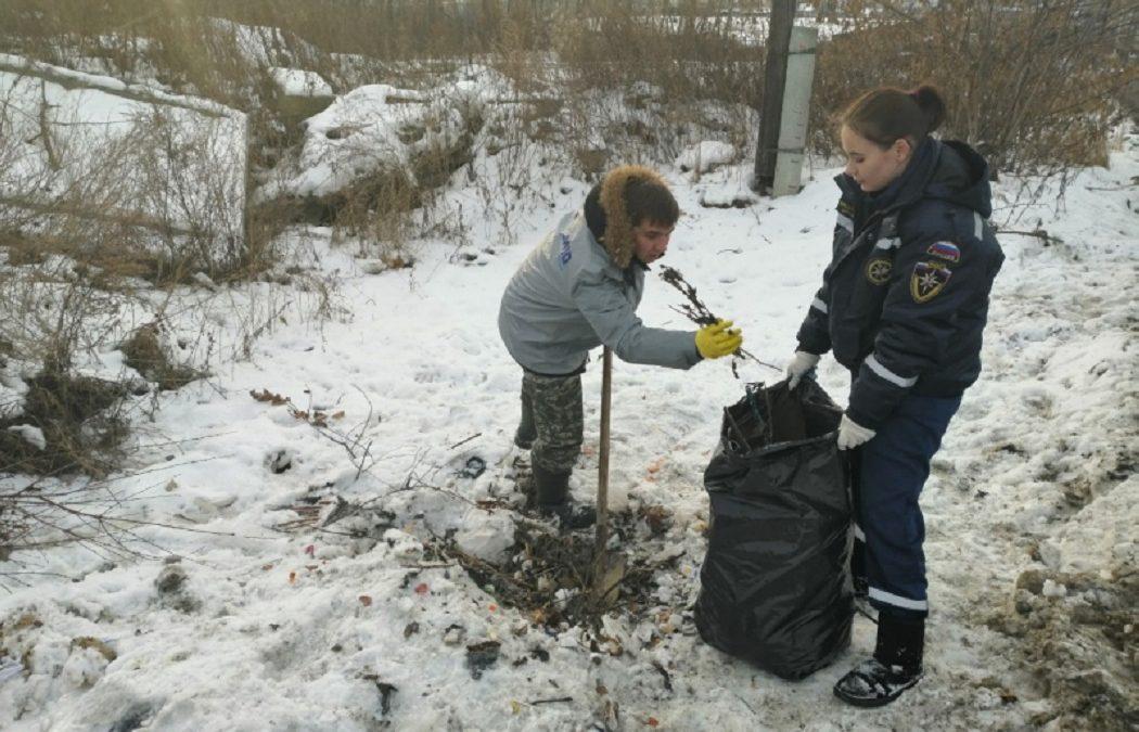 В Екатеринбурге активисты ликвидировали свалку в парке «Семь ключей»