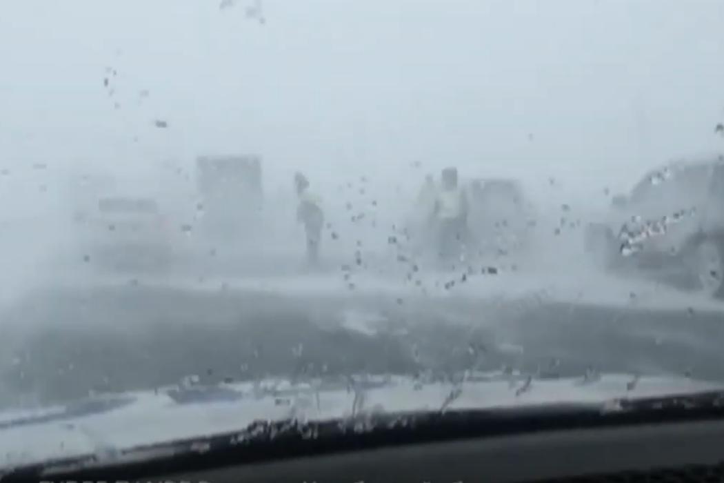 В Челябинской области из-за шторма десятки машин попали в ДТП
