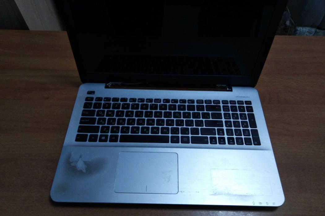 В Тюмени мужчина украл ноутбук у пассажира на вокзале