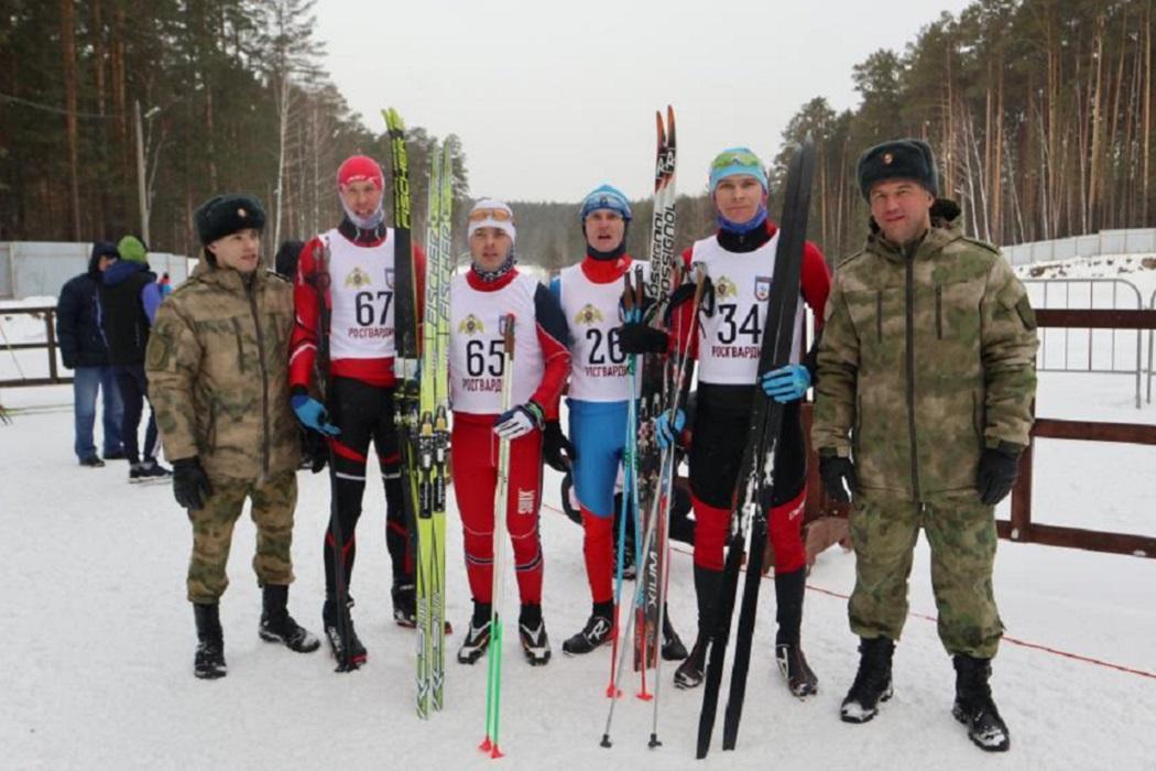 В Екатеринбурге стартовал чемпионат бойцов Росгвардии по лыжным гонкам