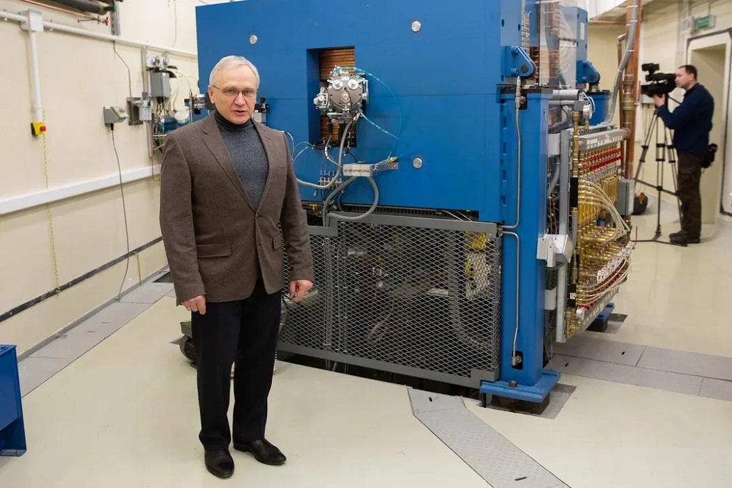 В Екатеринбурге запустили первый циклотрон для ядерной медицины