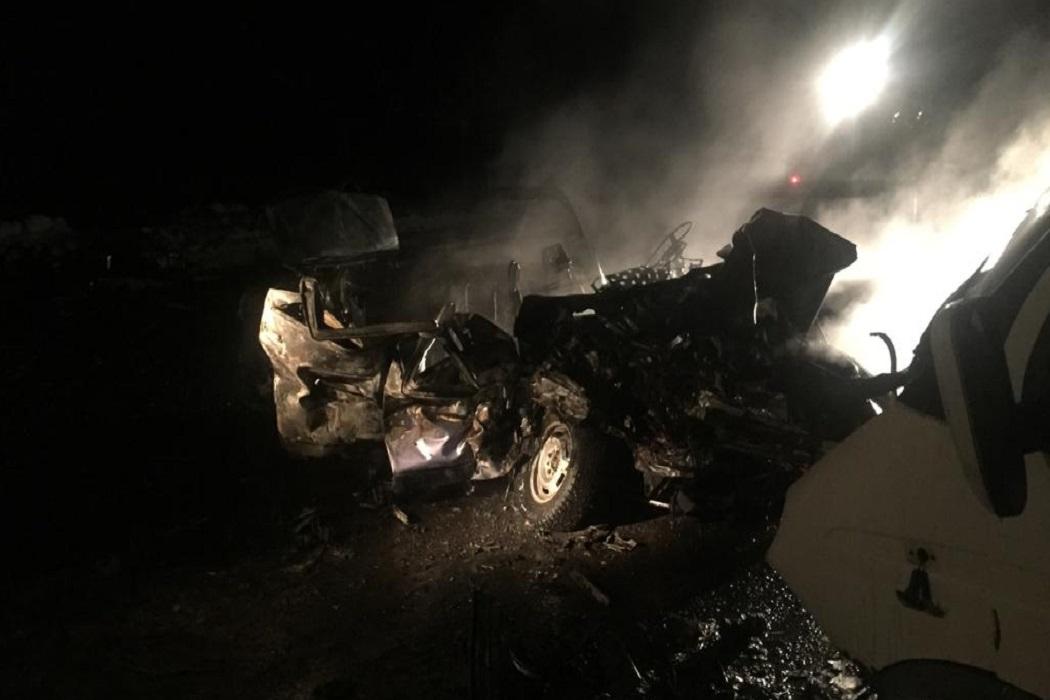 В Кургане в смертельном ДТП погибли водитель и два пассажира