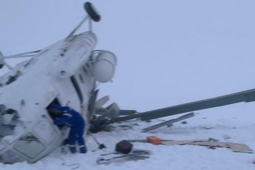 На Ямале разбился вертолет с вахтовиками. Двое погибли