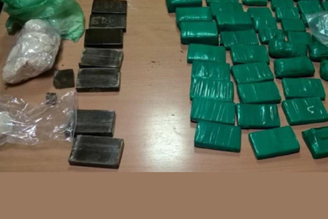На тюменской трассе поймали водителя с 15 кг наркотиков