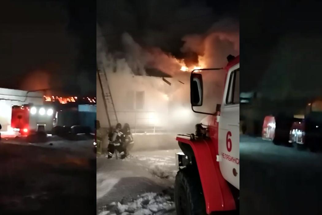 Под Челябинском потушили пожар на мебельном складе