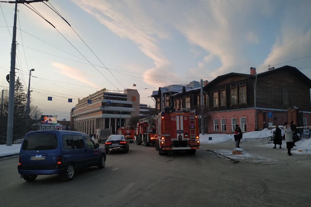 В БЦ Высоцкий из-за короткого замыкания произошёл пожар