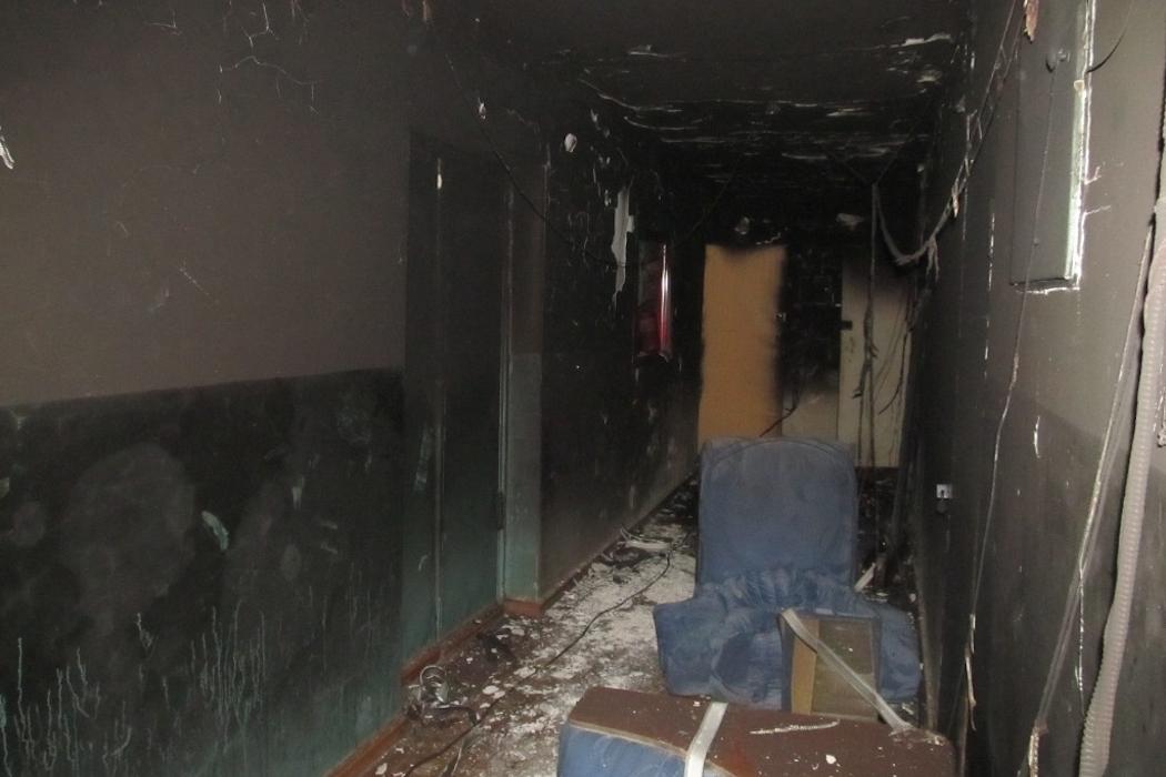 В Челябинске из-за непотушенной сигареты загорелось общежитие 1
