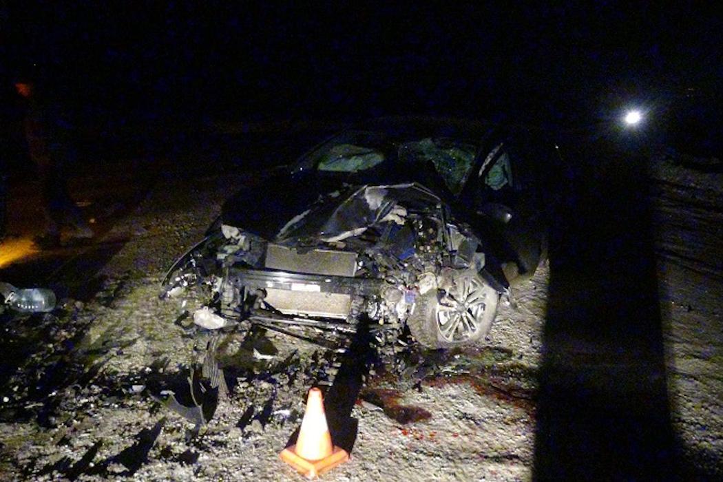 В Зауралье пьяный водитель врезался в стоящий большегруз