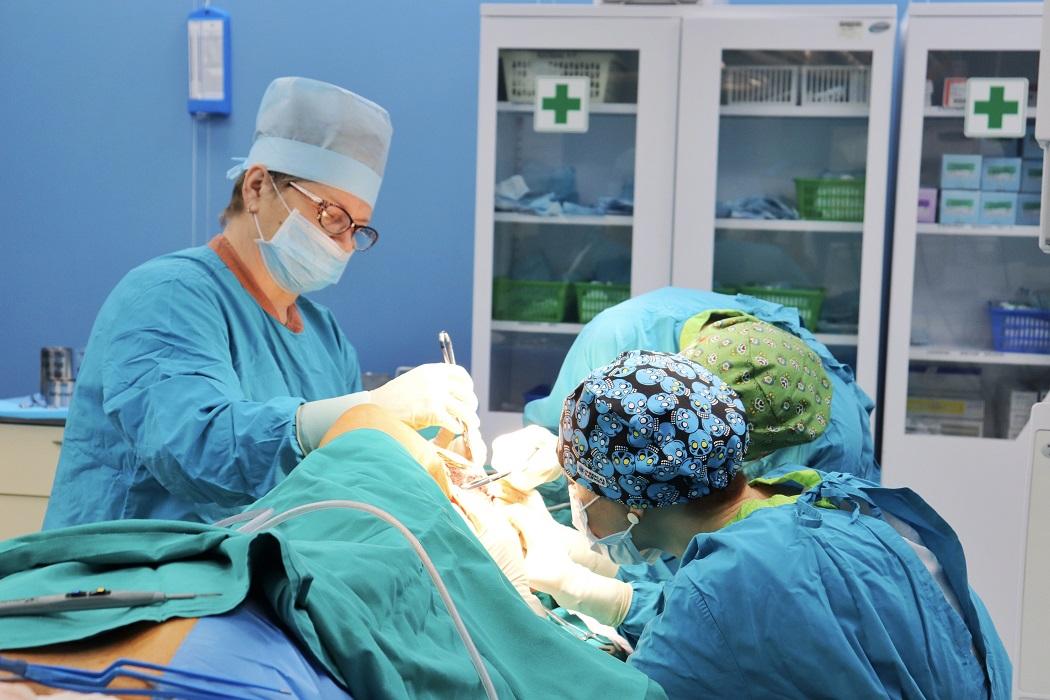 хирурги больница операция