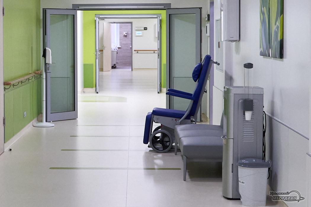 коридор кресло больница