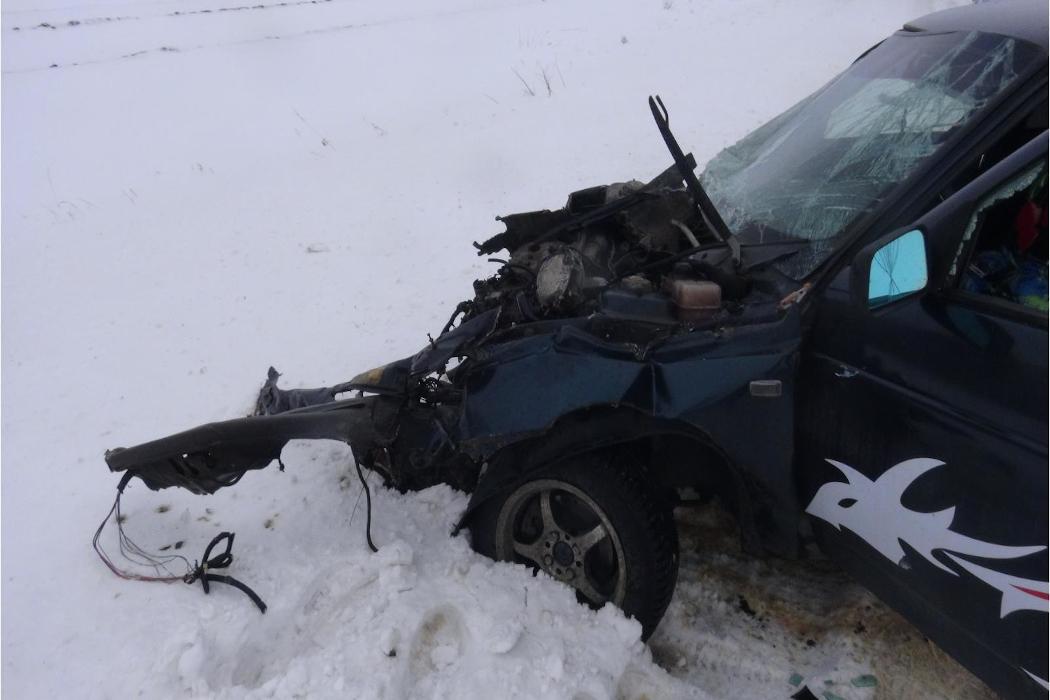В Зауралье в ДТП пострадали два водителя