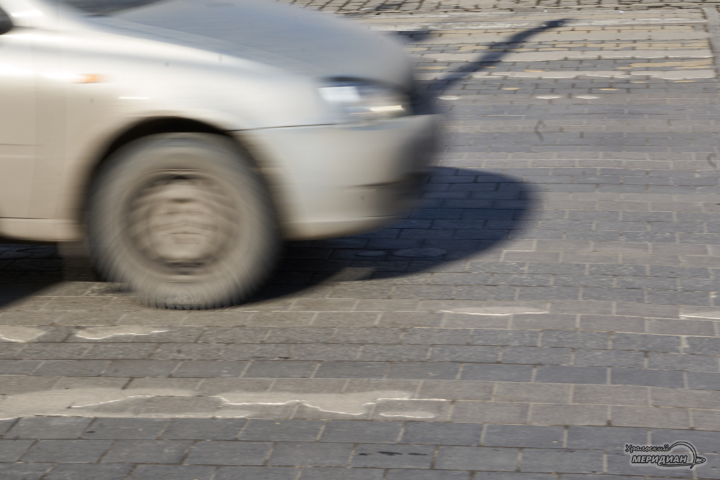 Пешеходный переход машина