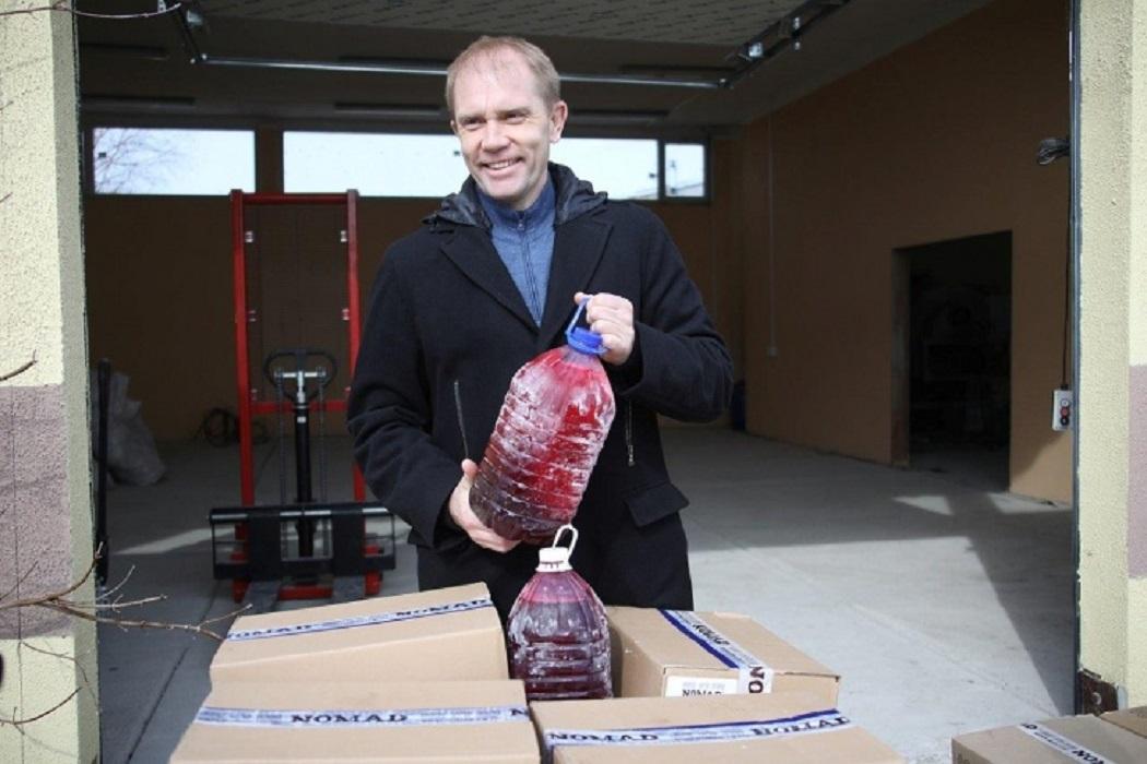 Екатеринбургский бизнесмен подарил больнице №40 тонну ягодного сиропа