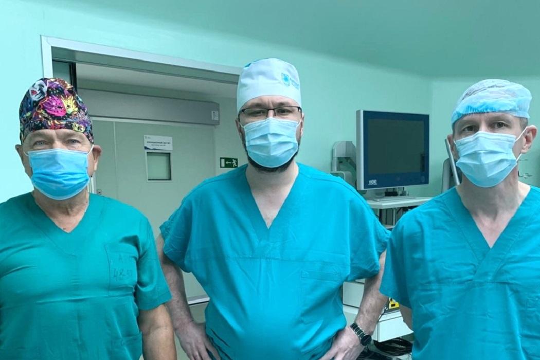 Тюменские врачи спасли пациентку с 35-килограммовой опухолью