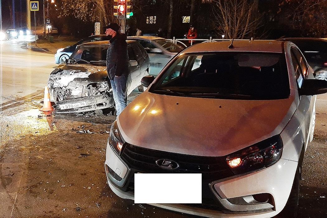 В Екатеринбурге женщина с ребёнком пострадали в ДТП