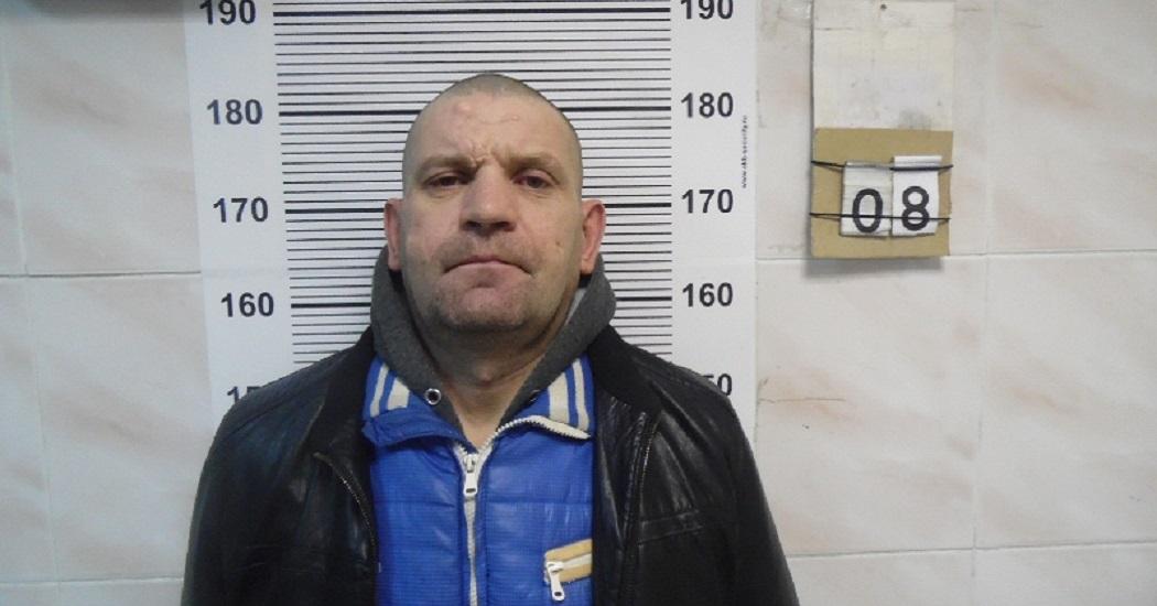 В Екатеринбурге прохожие поймали грабителей салона сотовой связи