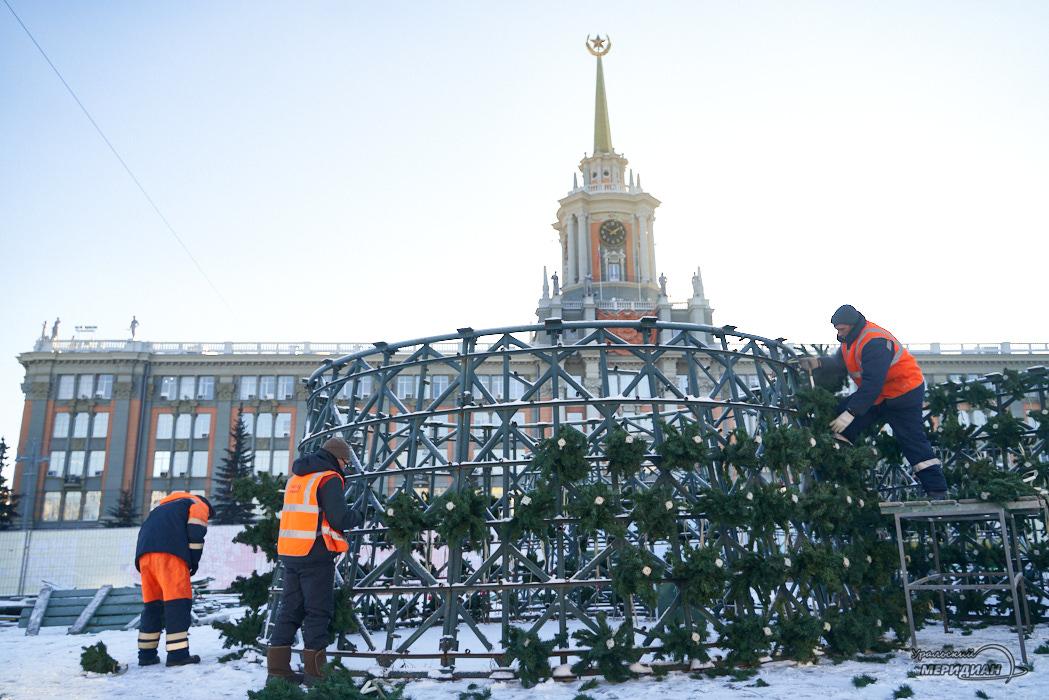 В ледовом городке Екатеринбурга установят скульптуры и ограждение