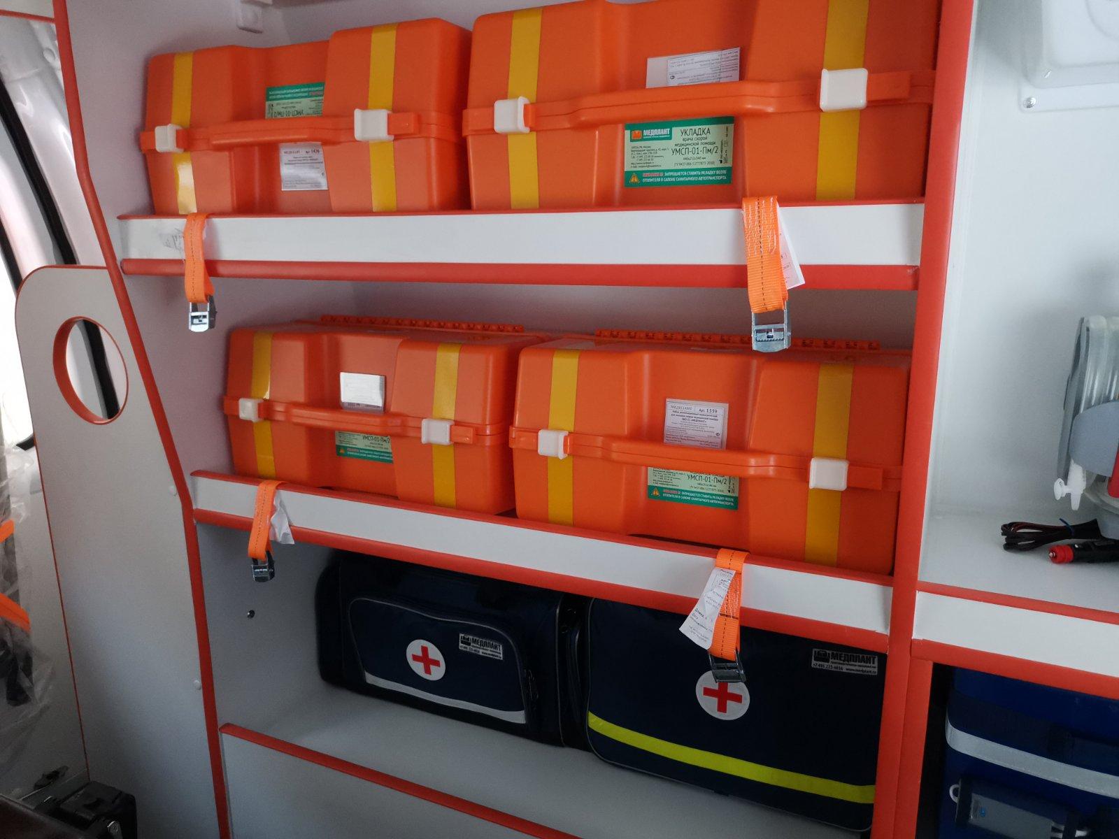 В заводоуковской больнице обновили парк машин скорой помощи 3 — копия