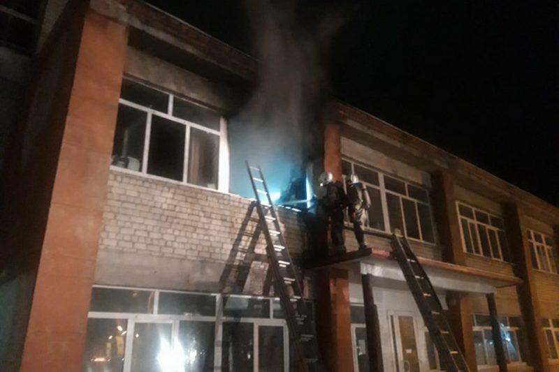 В Каменске-Уральском при пожаре в психбольнице эвакуировали 80 человек