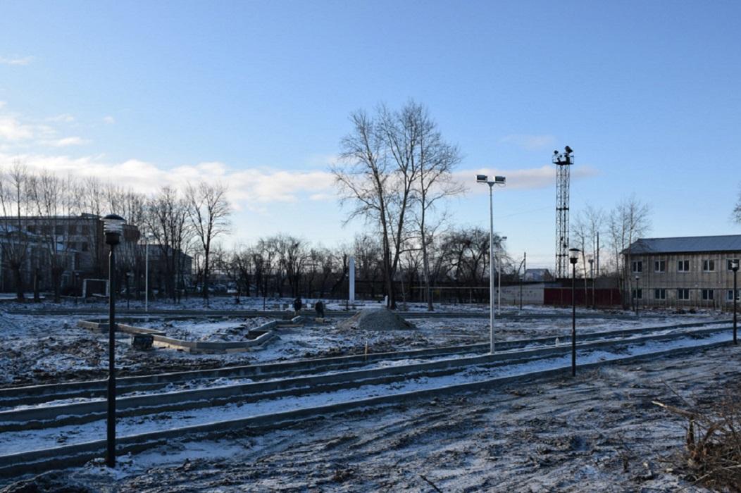 В Шадринске с наступлением зимы принялись укладывать асфальт